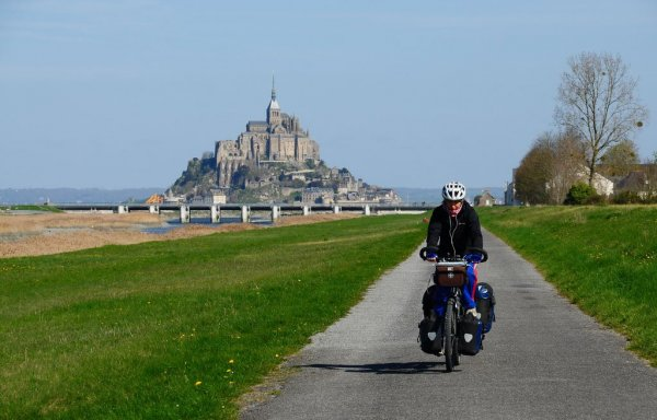 Cycling-in-Normandy.-On-the-Background-is-the-Mont-Saint-Michel