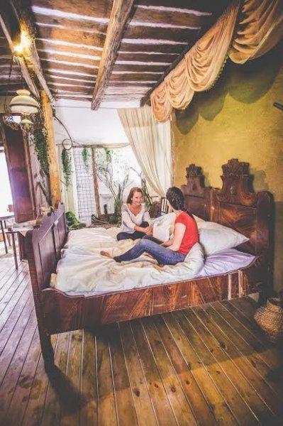 faluhely-tavasz-szoba
